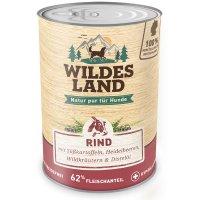 Wildes Land Rind mit Süßkartoffeln, Heidelbeeren, Wildkräutern und Distelöl